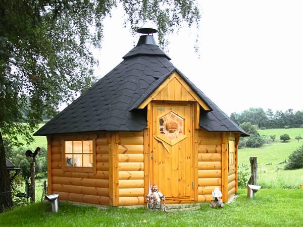 Wolff Finnhaus Grillkota Basic 9 mit Grillanlage schwarze Schindeln